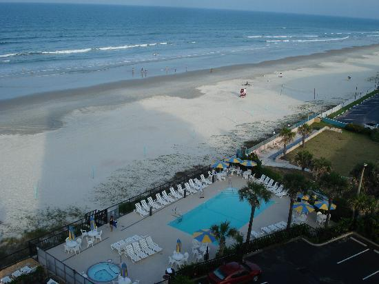 Nautilus Inn: View of Pool from our Oceanfront Balcony