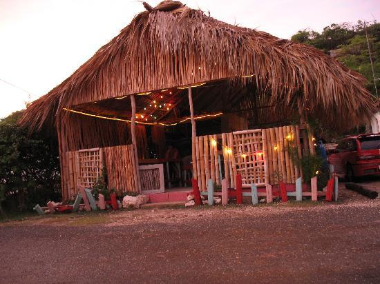 """Nuestra Casa"" Guesthouse : Strikie T's in the evening... best Jerk in Jamaica."