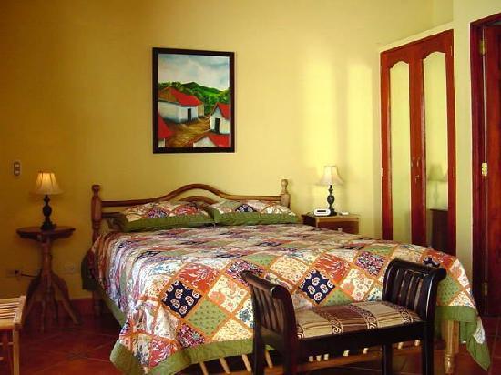 Hotel Xalteva: Sample bedroom