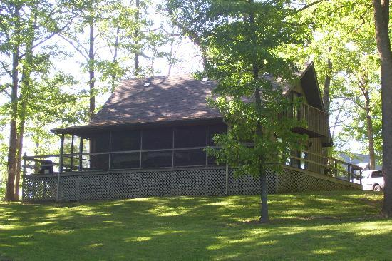 Lakefront Cabins LLC: owls roost cabin