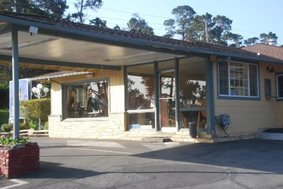 Monterey Surf Inn: Empfang