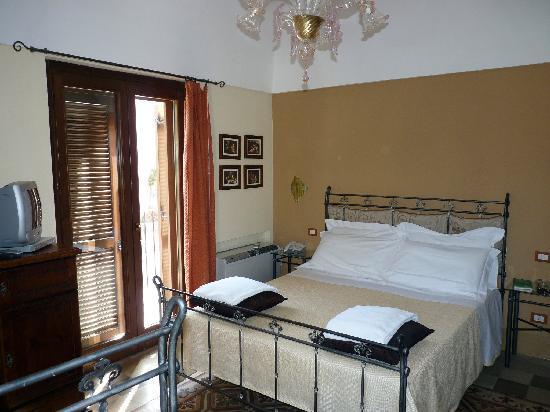 Photo of Hotel Palazzo degli Archi Ragusa