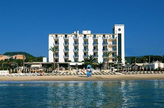 Mare hotel savona liguria prezzi 2018 e recensioni for Hotel barcellona sul mare