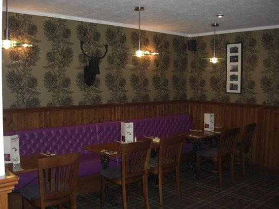 Mosset Tavern: Family dining area