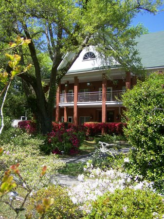 Woodridge Bed and Breakfast of Louisiana: Woodridge Bed and Breakfast Inn - Slidell, Louisiana
