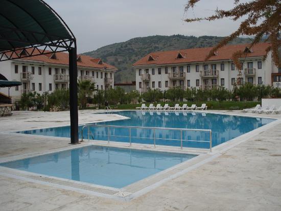 Halici Hotel Pamukkale: piscine extérieure