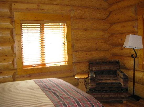 Alpine Meadows Resort: One of our bedrooms each had a bathroom from the hall