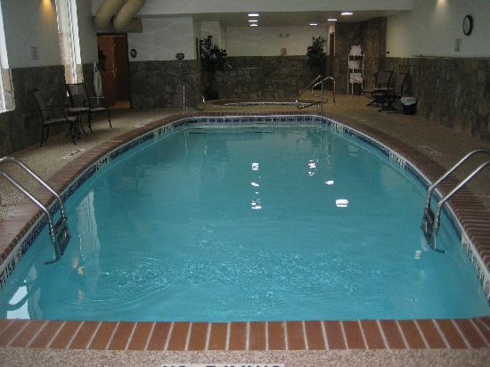 Holiday Inn Express Hotel & Suites Hill City: Pool