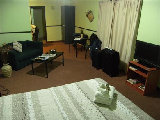 Pohutu Lodge: Studio Unit