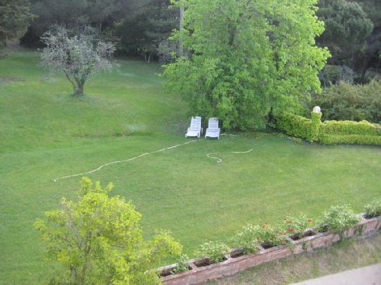 Hotel Villa Godenano: One of many little spots to sit and relax