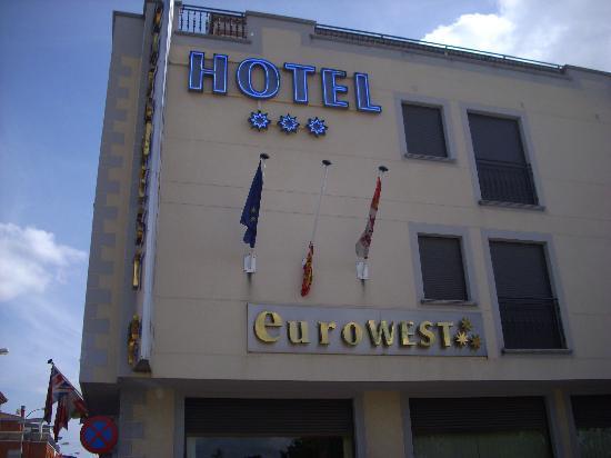 Eurowest: El hotel