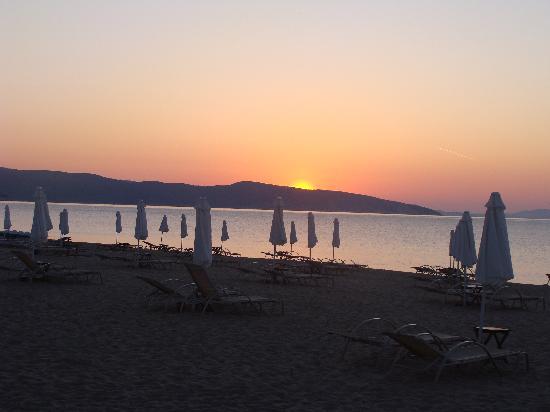 Agios Nikolaos, Griekenland: Sonnenaufgang am Hotelstrand