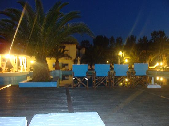 Assa Maris Bomo Club Hotel: Abendstimmung am Pool