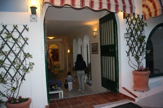 Hotel La Baia: ...2 giugno