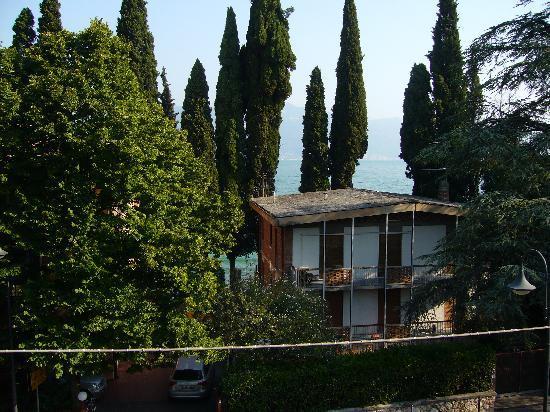 Hotel Garni Al Caval : Blick vom Hotel(balkon) aus richtung Gardasee
