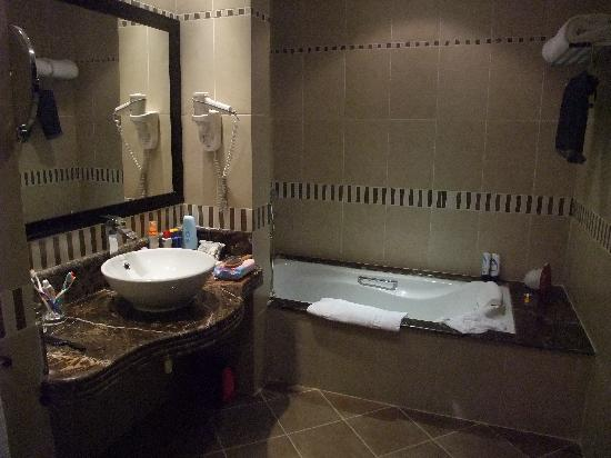 Rixos Sharm El Sheikh : Bathroom