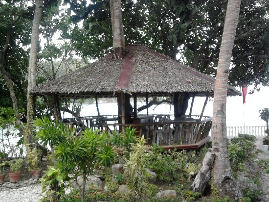 Blue Crystal Beach Resort: the nipa hut infront of our room