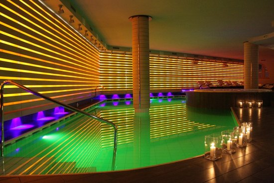 Cristal Palace Hotel: piscina interna