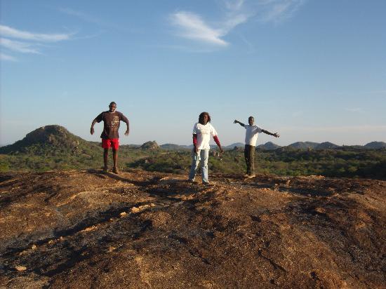 Bulawayo, Simbabwe: my Zimbabwean friends at the top of a hill in the beautful Matobos