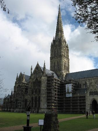 ‪‪Salisbury‬, UK: Salisbury Cathedral April 2008‬