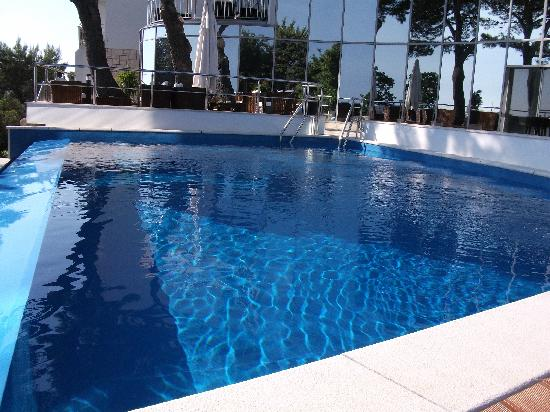 Neptun Hotel: one of the swimming pools