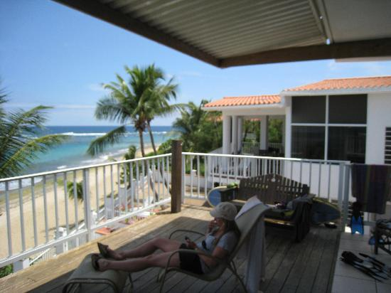 Villa Tropical Oceanfront Apartments on Shacks Beach : view from balcony toward Blue Hole