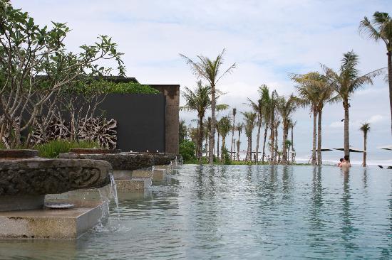 Soori Bali: Public pool