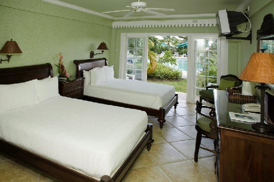 Coco Palm Resort: Coco Palm Patio Pool
