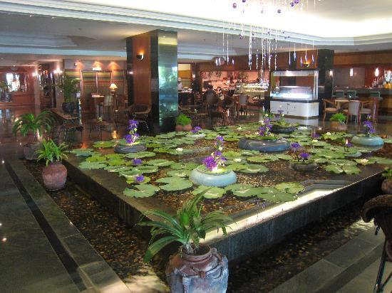 โรงแรมโลตัส สุขุมวิท กรุงเทพฯ: Lobby