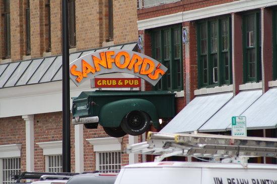 Sanford's Grub & Pub: Sanford's Cheyenne, WY