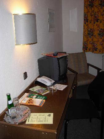 Hotel Hohenstaufen: 部屋内