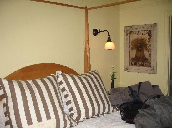 Forestville, CA: our room