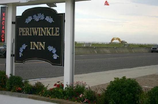 Periwinkle Inn: The sign