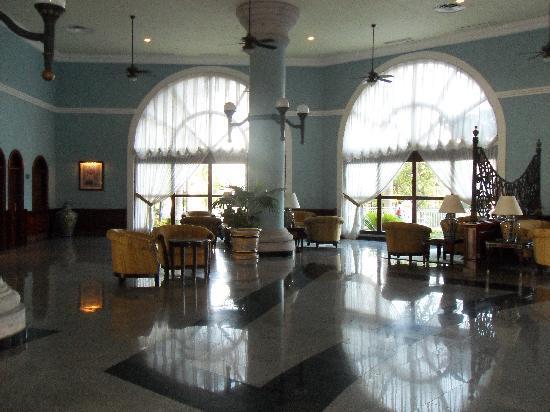 Hotel Riu Cancun: Lobby
