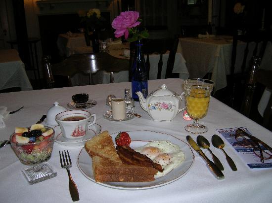 Seacrest Manor: breakfast