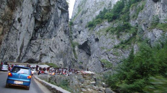 Piatra Neamt, โรมาเนีย: parmis les montagnes