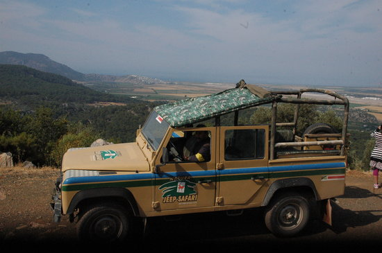 Caki Tours: natura jeep safari