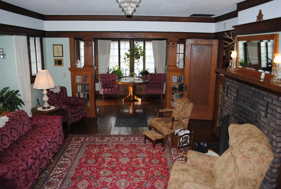 Triangle Ranch Bed & Breakfast: Comfortable elegance