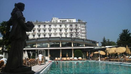 Hotel President Terme: プールサイドからの眺め