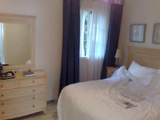 Royal Oasis Club at Pueblo Quinta : Little bedroom, bed quite comfortable.