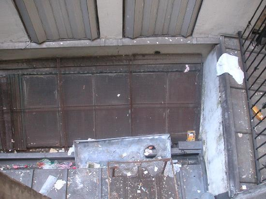 Hotel des Andelys: finestra