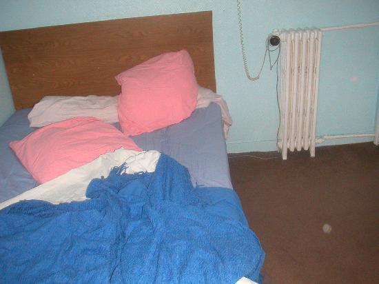 Hotel des Andelys: letto
