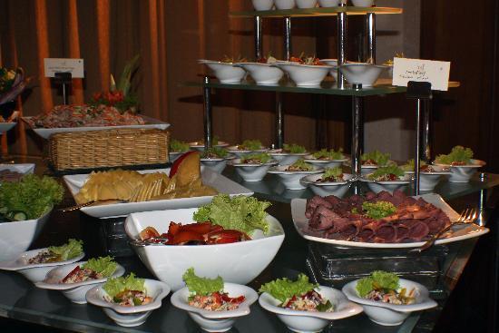 Vivanta by Taj - Bentota: Kleiner Teil vom Buffet am Abend