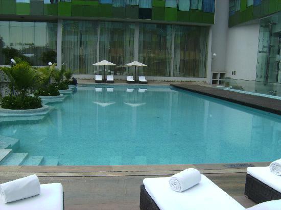 Vivanta By Taj Whitefield: Essa é a piscina do Hotel, uma delícia