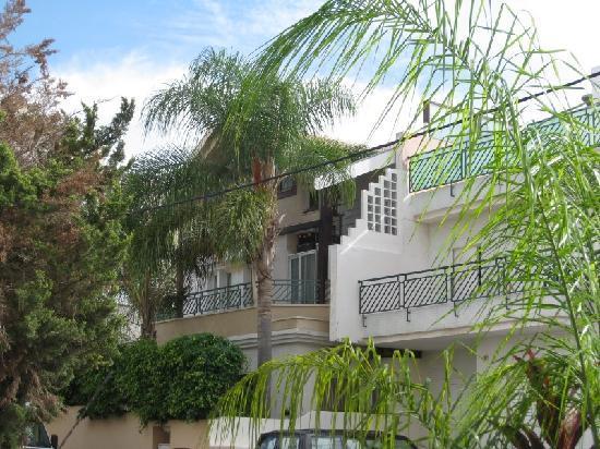 Dekel Guesthouse - Ramat Gan: View