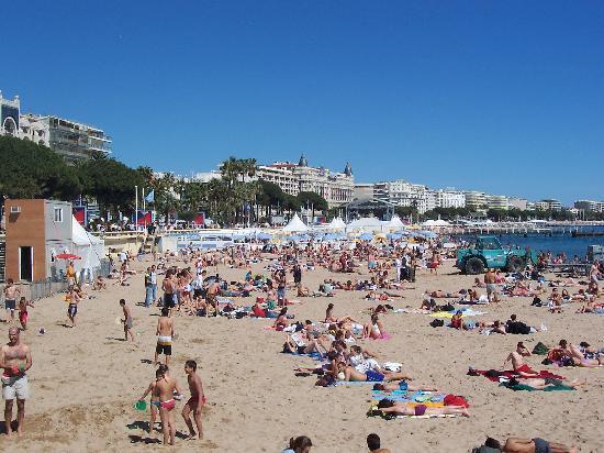 Mercure Cannes Croisette Beach: La plage public