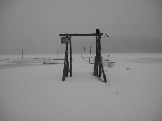 La Pine, OR: the dock in the winter time! it is so pretty up there!!
