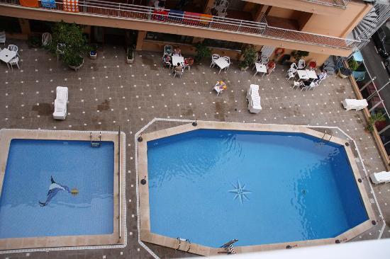 Hotel Piñero Bahia de Palma: The pool