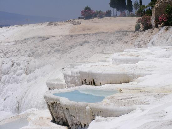 Dalaman, Turquia: Pamukkale - Not as cold as it looks