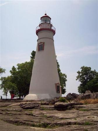 Marblehead, OH: Lighthouse view from the back(lakeside)